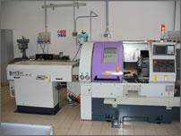 Tornio CNC con spingibarra - passaggio barra da 5mm a 42mm